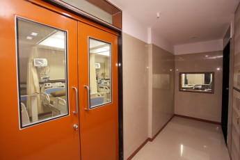 ICU Double Door Entry